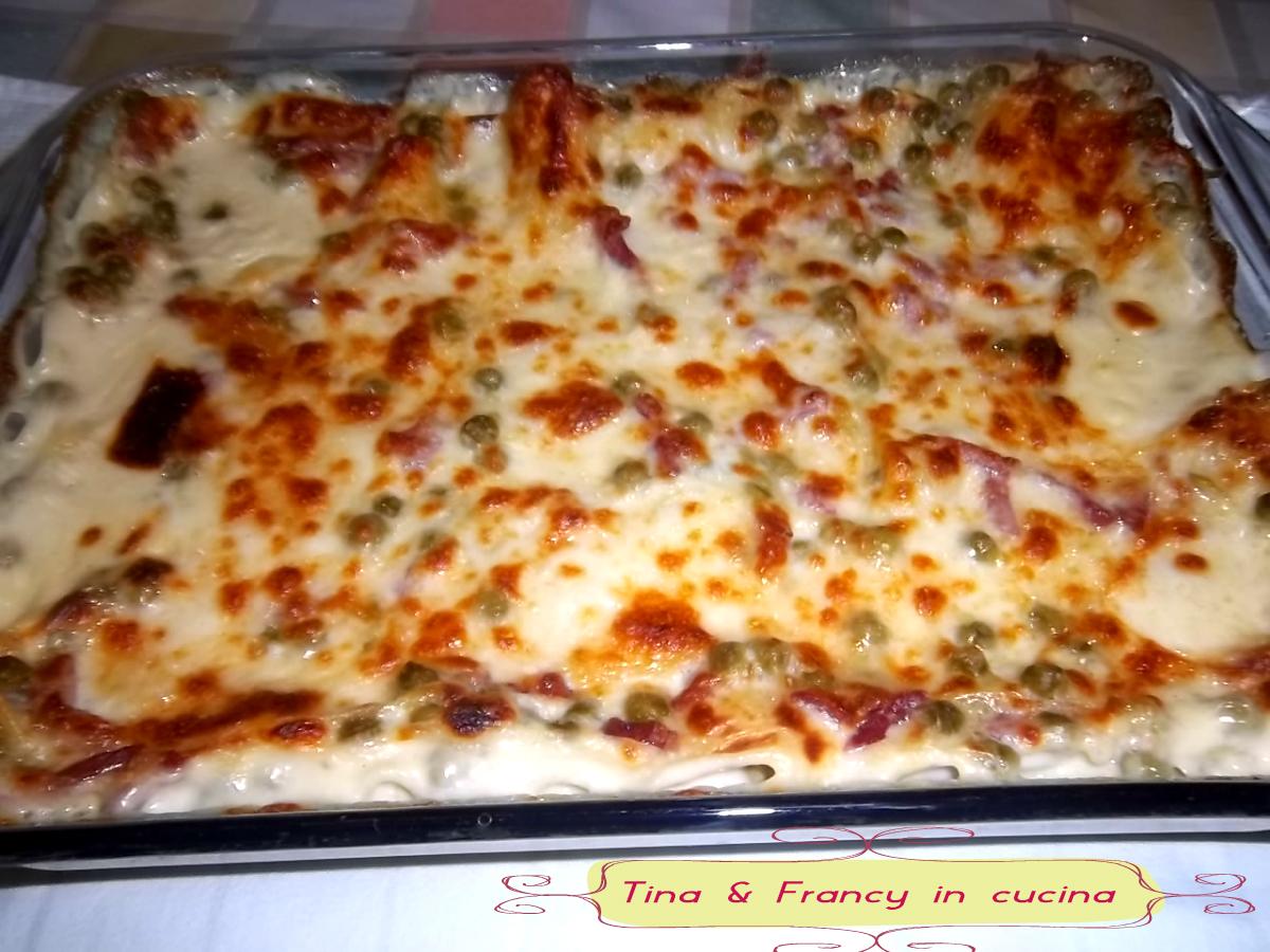 Lasagne al forno con piselli e pancetta