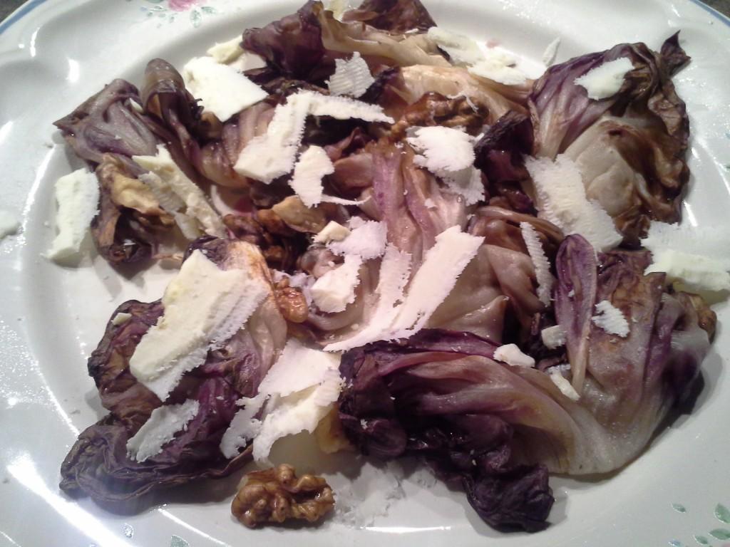 Radicchio con le noci e la ricotta salata