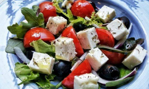 Insalata greca, ricetta e consigli
