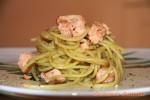 Pasta con pesto di pistacchio e salmone