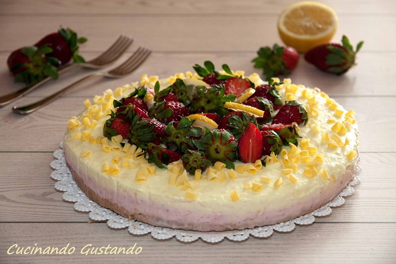Cheesecake alle fragole e limone