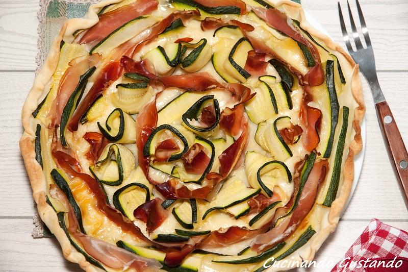 Torta salata zucchine speck e formaggio