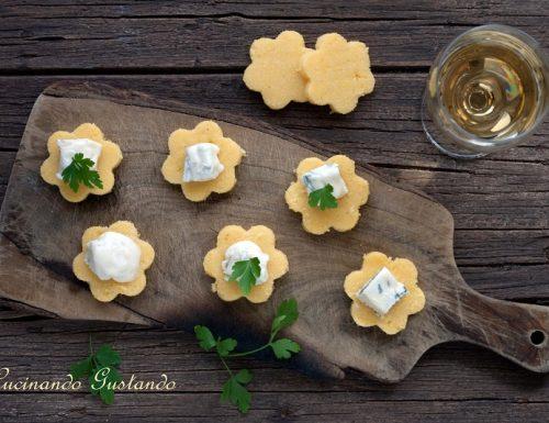 Antipasto finger food polenta e gorgonzola