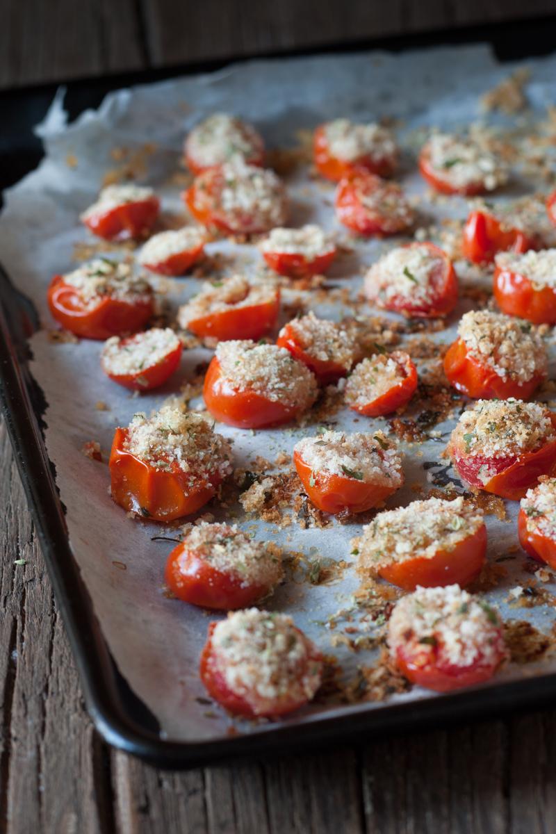 Pomodorini gratinati al forno ricetta gustosa