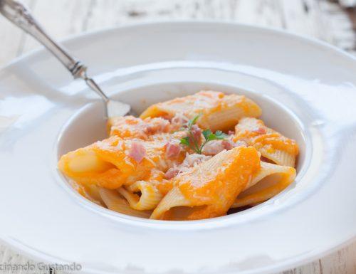 Pasta crema di zucca e pancetta affumicata