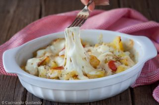 https://blog.giallozafferano.it/toniaincucina/patate-vastase-con-mozzarella/
