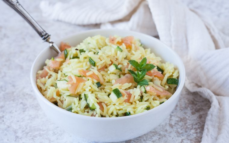 Insalata di riso zucchine e salmone