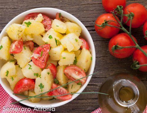 Insalata di patate e pomodorini