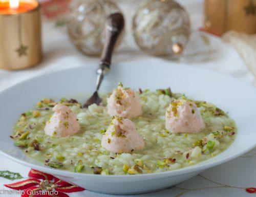 Risotto al pistacchio con mousse di salmone affumicato
