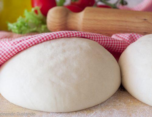 Impasto per pizza o pane con 2 grammi di lievito