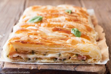 Rotolo di sfoglia con zucchine prosciutto e formaggio