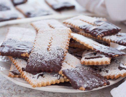 Chiacchiere al forno con cioccolato