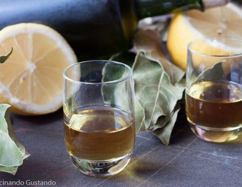 Liquore digestivo alloro e limone