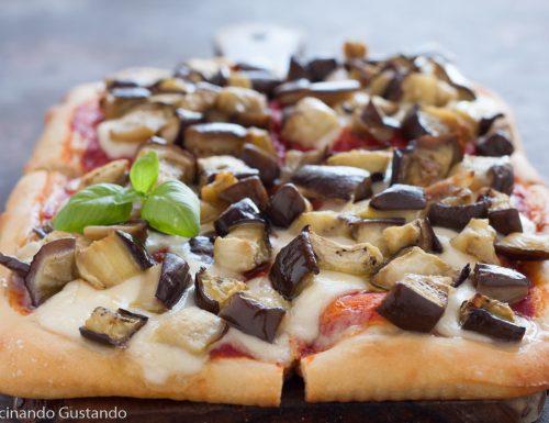 Pizza in teglia alla parmigiana