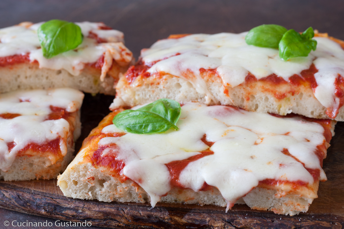 Pizza in teglia 48 ore di lievitazione e 4 grammi di lievito