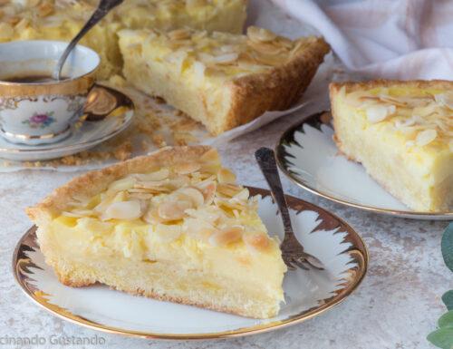 Crostata con pasta frolla alle mandorle e crema pasticcera