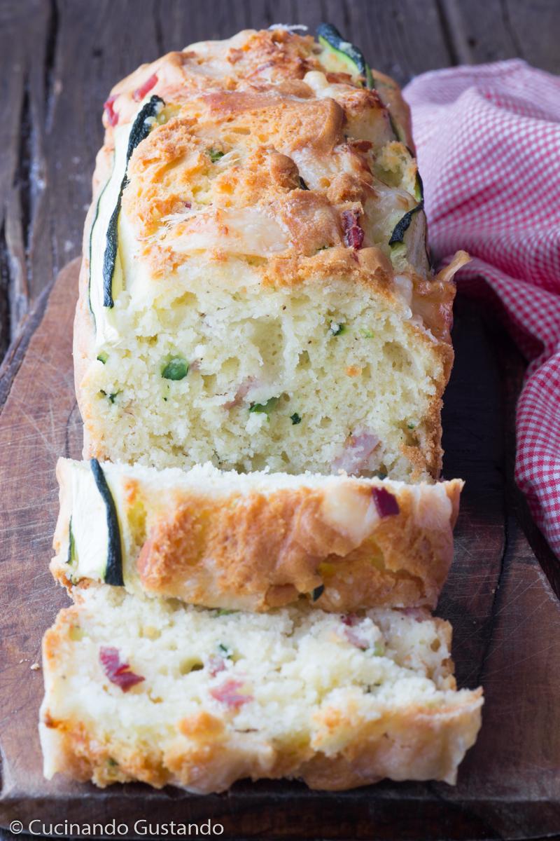 Plumcake salato speck zucchina e formaggio