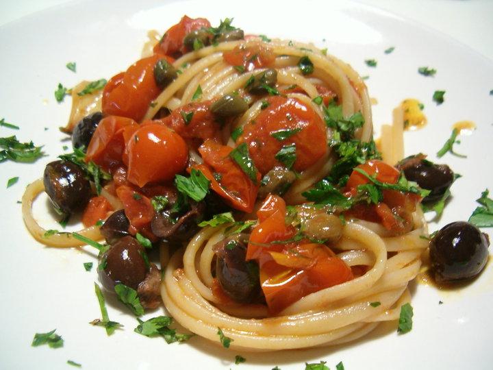 Puttanesca di tonno for Spaghetti ricette