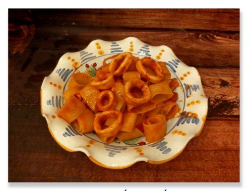 Pasta con calamari ed olive