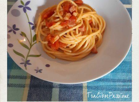 """•Spaghettoni Con Pancetta """"Affumicata"""" e Ciliegino•"""