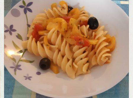 •Fusilloni Ciliegino, Peperoni e Olive•