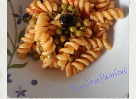 •Fusilli Con Piselli e Olive Nere al Pomodoro•