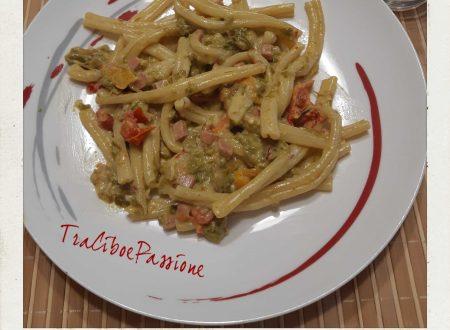 Casarecce Siciliane con Prosciutto Cotto, Peperoni e Panna•