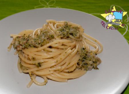 """Vermicelli con """"pesto"""" di broccoli e noci"""