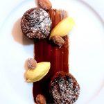Pudding di panettone e cioccolato, cremoso allo zabaione e mandorle sabbiate