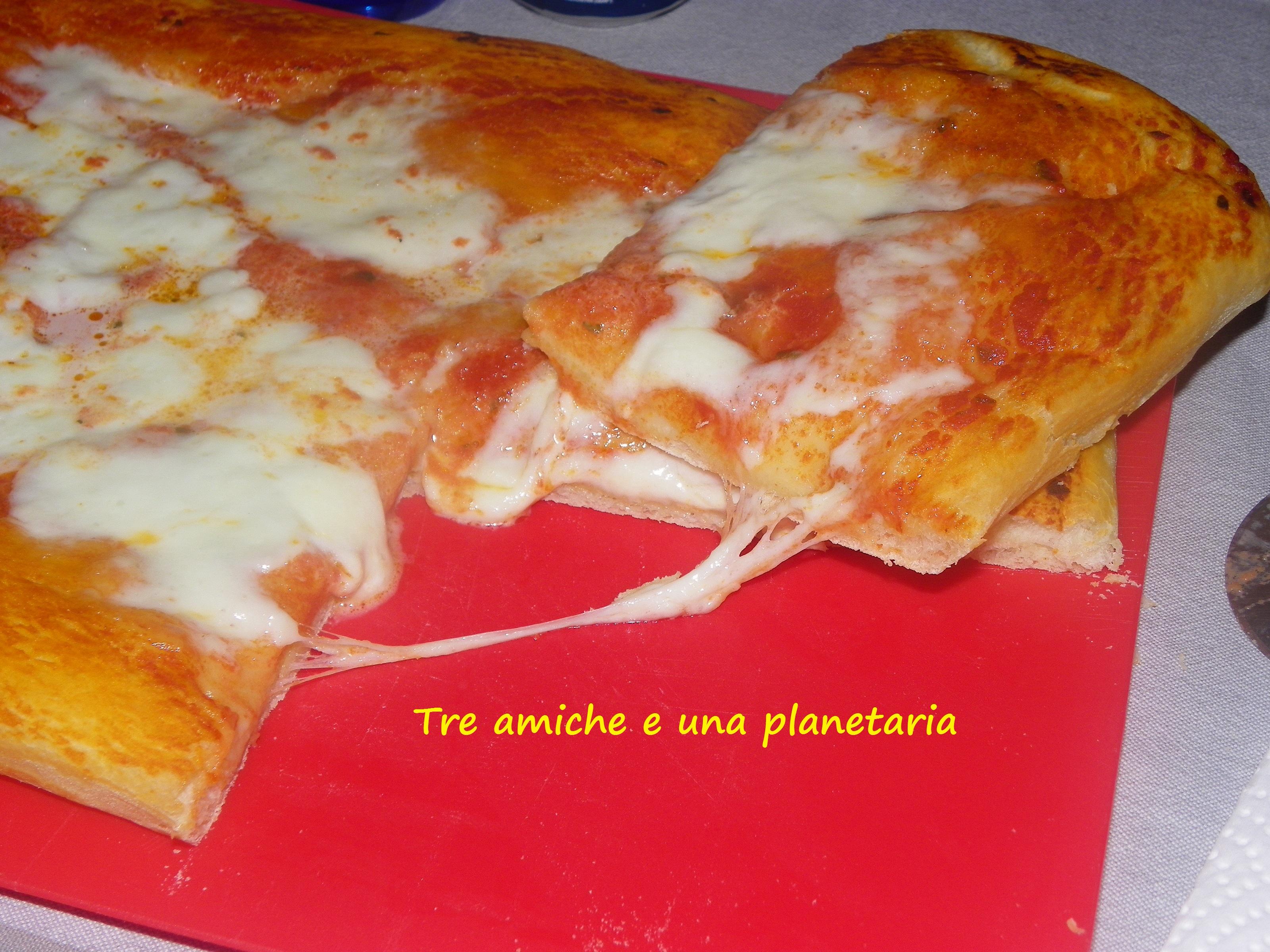 Pizza supermorbida tre amiche e una planetaria for Pizza con planetaria