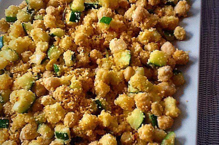 Ceci e zucchine nella sabbia piccante