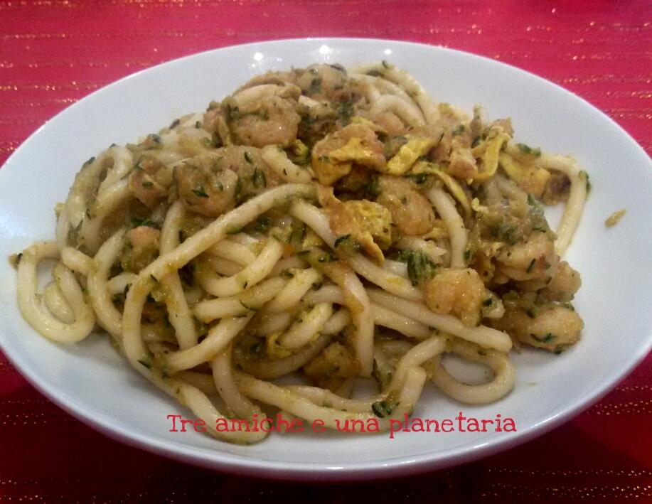 Spaghetti udon gamberi verdure