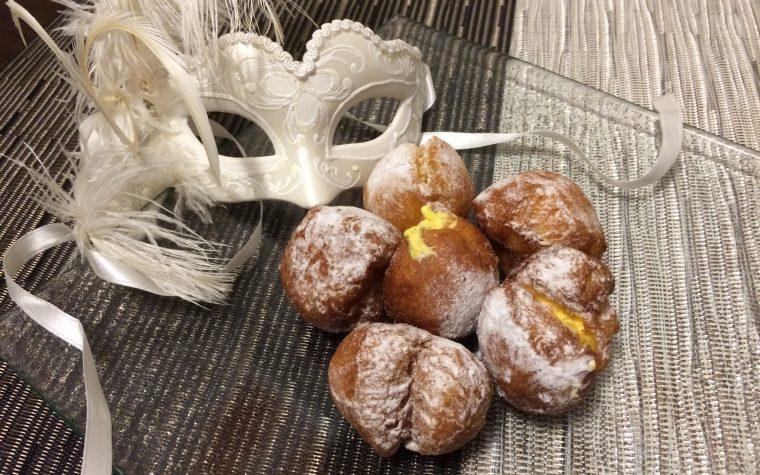 Frittelle veneziane ripiene di crema