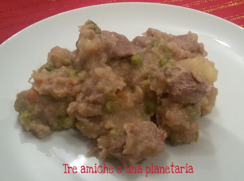Spezzatino bianco con patate e piselli