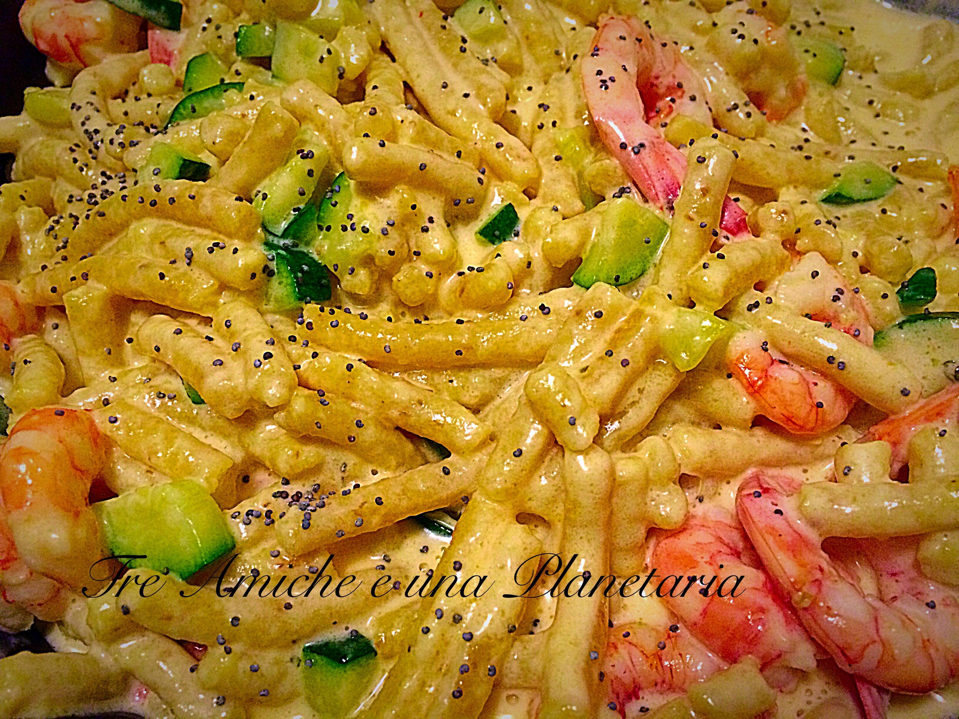Passatelli asciutti co mascarpone rosa,gamberi e zucchine
