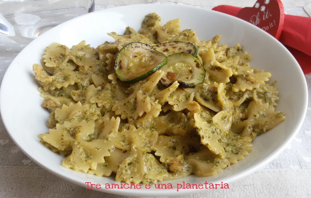zucchini recipe yummly farfalle with zucchini and white beans farfalle ...