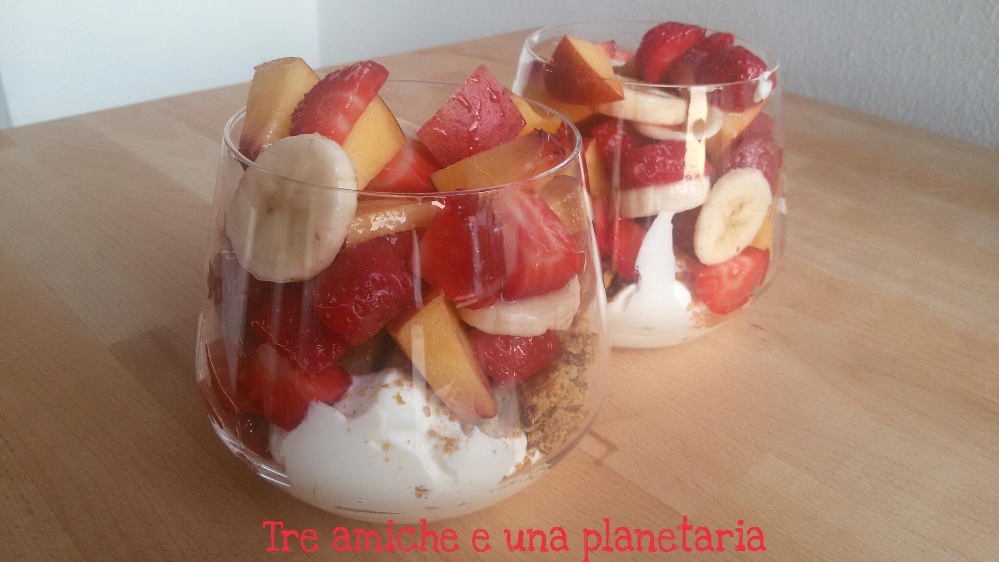 Coppette mascarpone e frutta