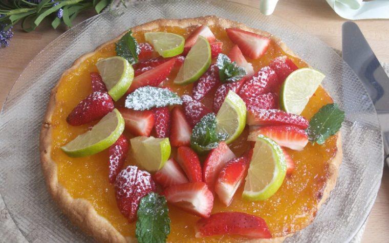 Crostata alla crema di lime e fragole