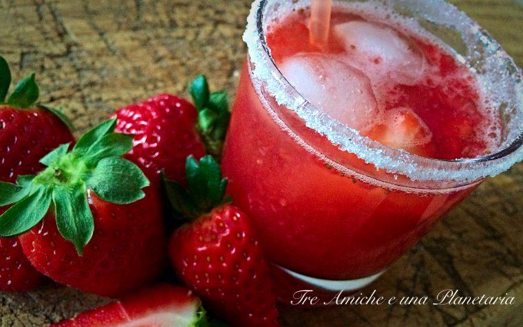 Aperitivo alcolico alla fragola