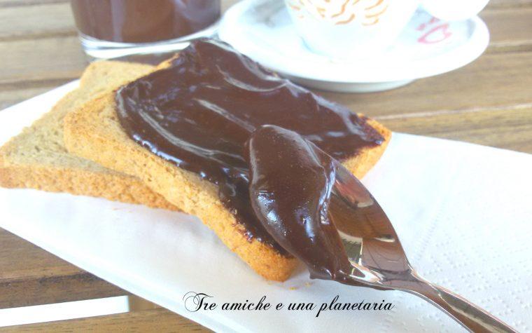 Nocciolata vegan – crema di nocciole e cioccolato