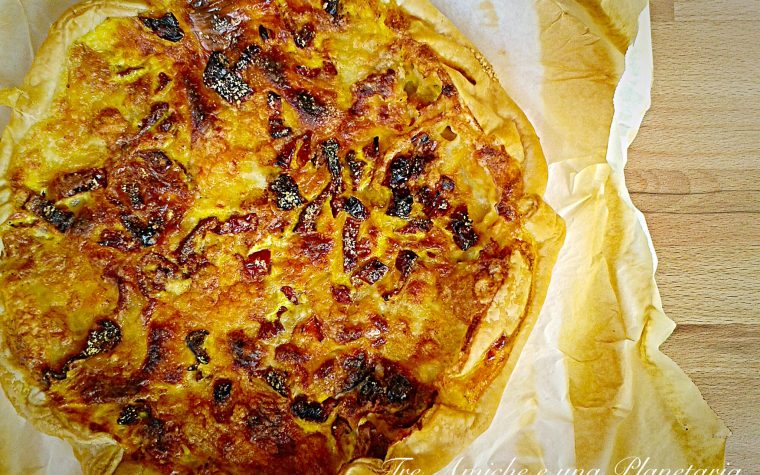 Torta salata ai formaggi e pomodori secchi