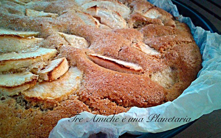 Torta di mele con panna e farina integrale