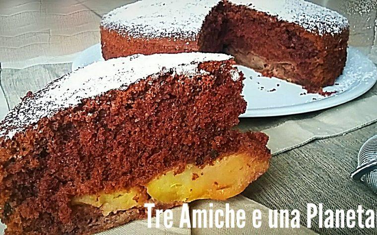 Hot milk sponge cake -Torta al latte caldo- al cioccolato e mele