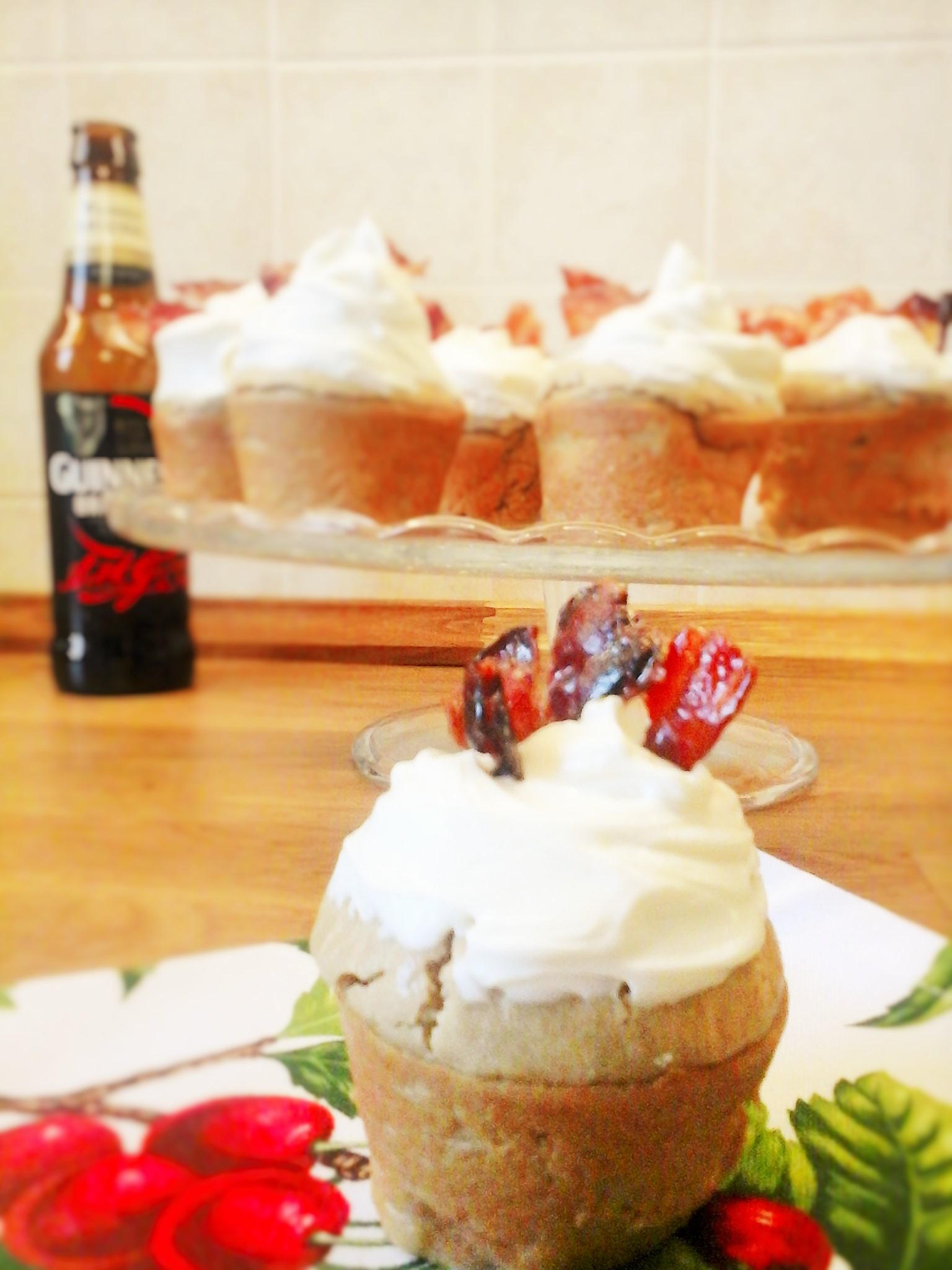 Estremamente Cupcakes salati alla Guinness e bacon glassato con sciroppo d  YE06