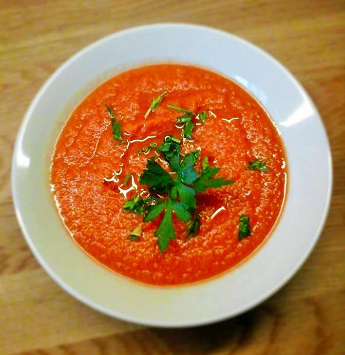 Gazpacho con prezzemolo e salsa worcester
