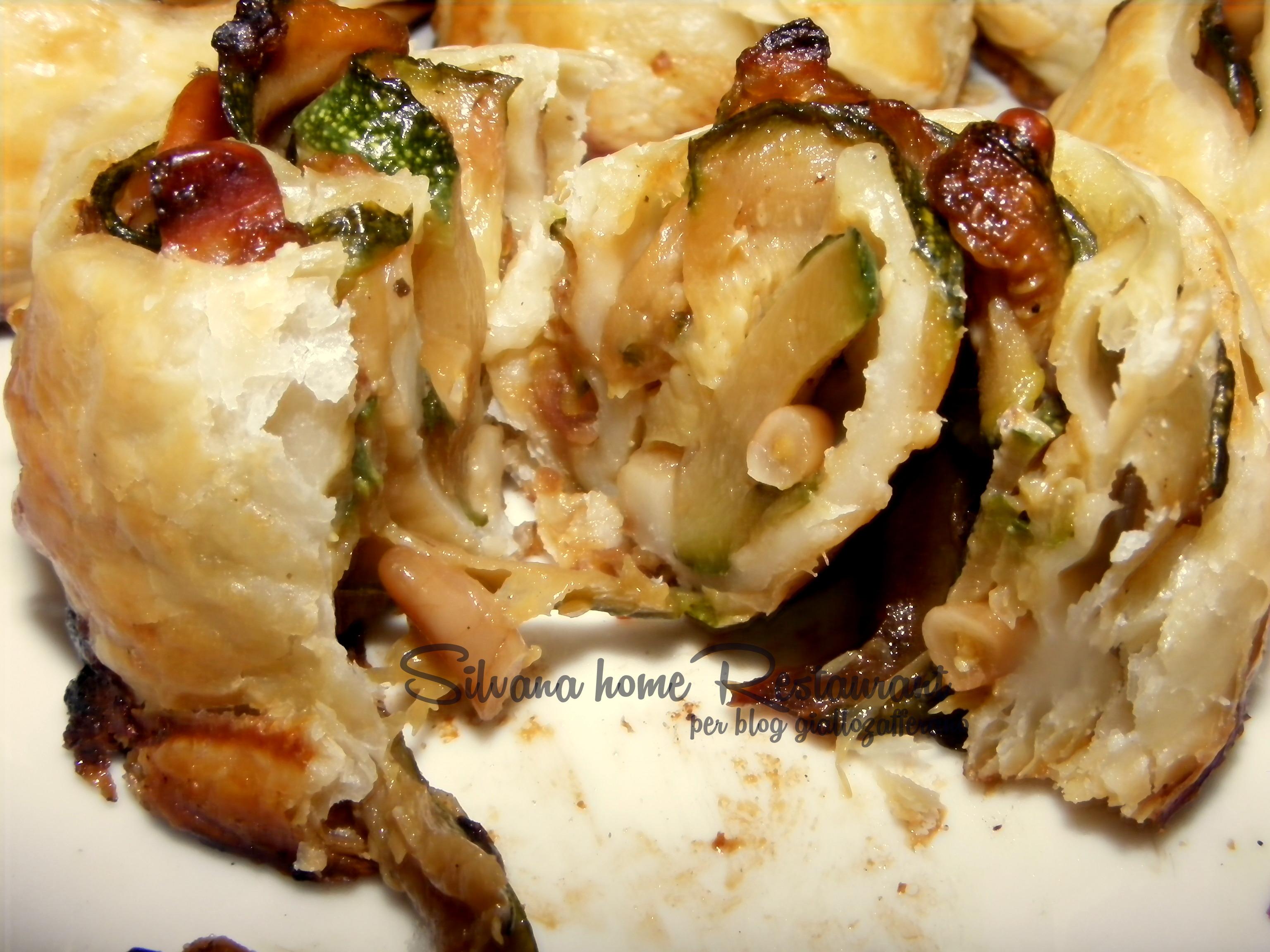 Girelle ai sapori di Sicilia con zucchine, uva sultanina e pinoli in sfoglia