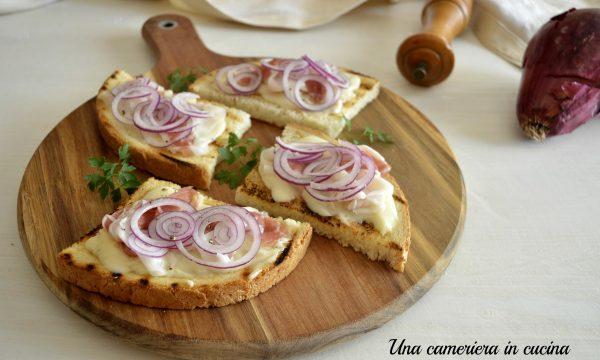 Bruschette saporite al gorgonzola e lardo