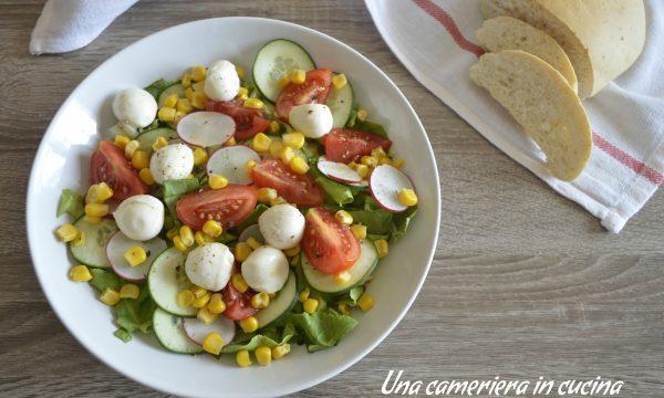 Insalata con mozzarelline e mais