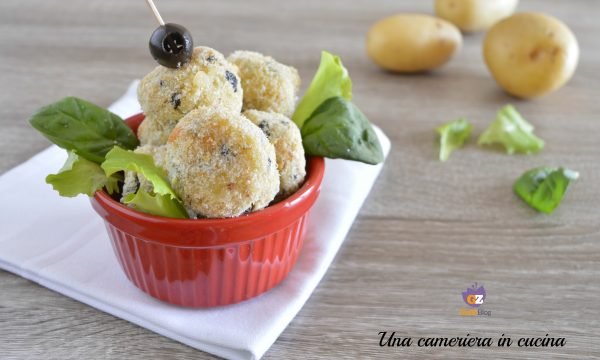 Polpette di patate e olive al forno