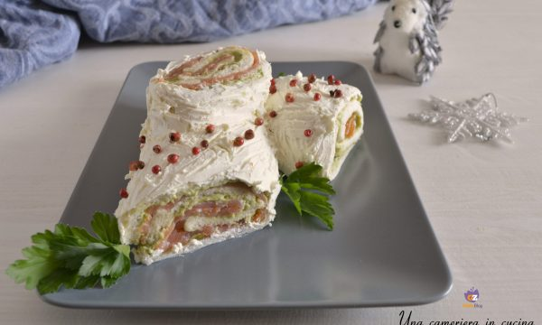 Tronchetto con salmone e salsa guacamole